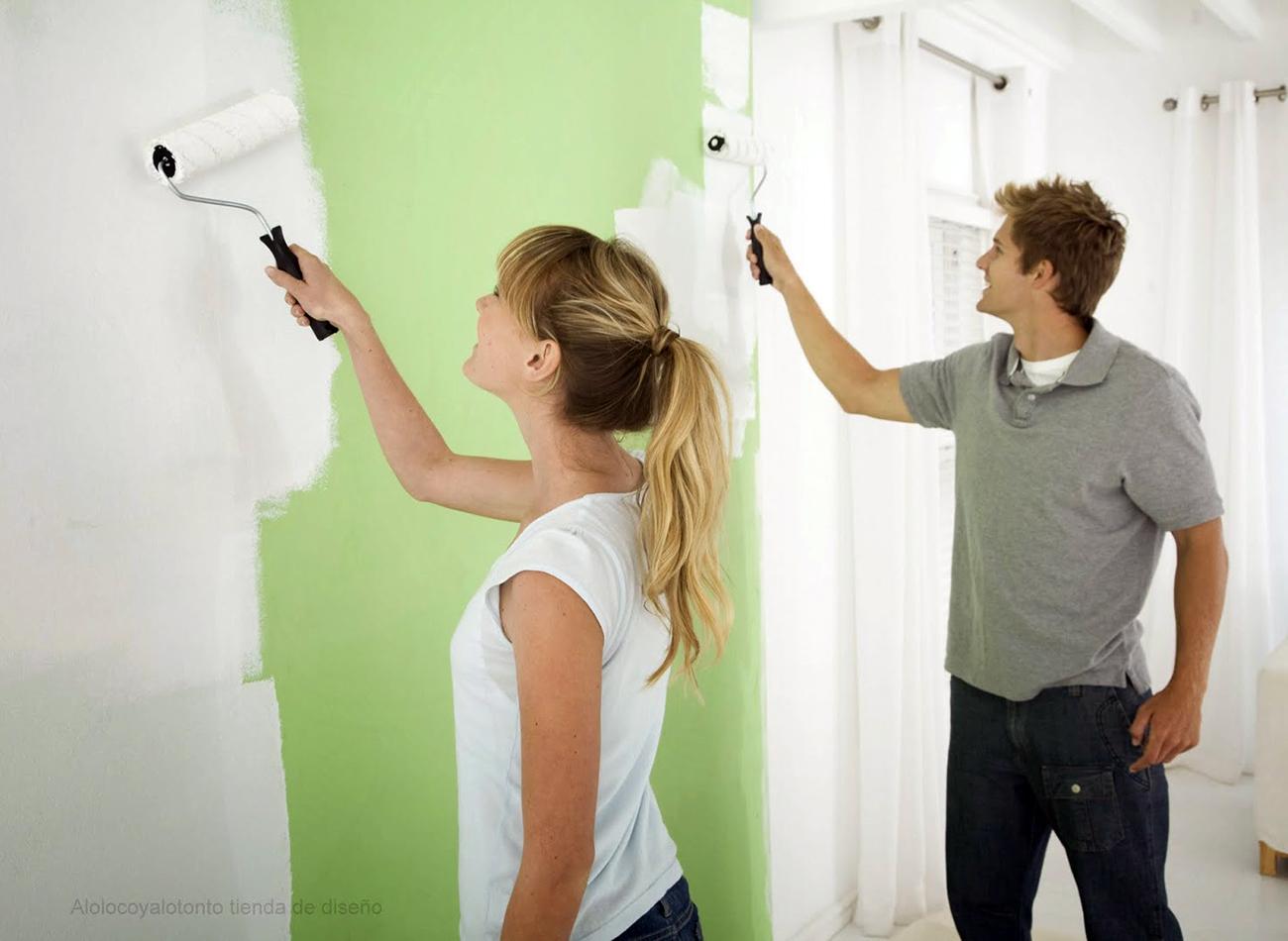 Familias voluntarias pintan las aulas – Campaña 2016